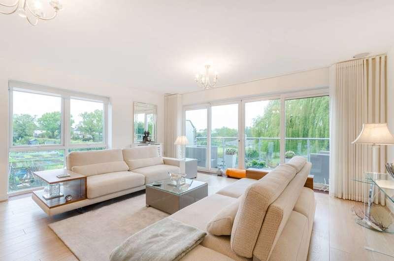 4 Bedrooms End Of Terrace House for sale in Barn Elms Close, Worcester Park, KT4