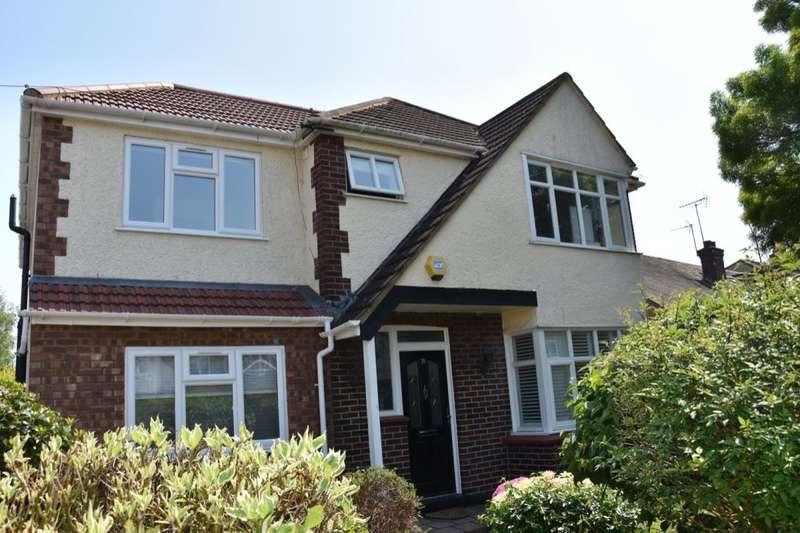 5 Bedrooms Detached House for sale in Hatherop Road, Hampton, TW12