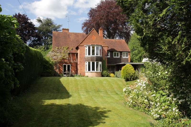 4 Bedrooms Detached House for sale in Green Lane, Pangbourne, Reading, RG8