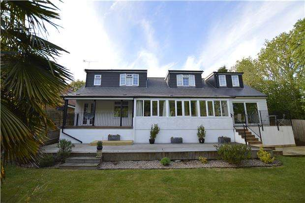 4 Bedrooms Detached Bungalow for sale in Westfield Lane, St Leonards-On-Sea, East Sussex, TN37 7NQ