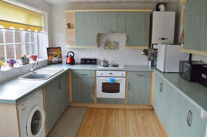 4 Bedrooms Detached House for sale in Woodbrook Close, New Marske, Redcar, TS11 8HP