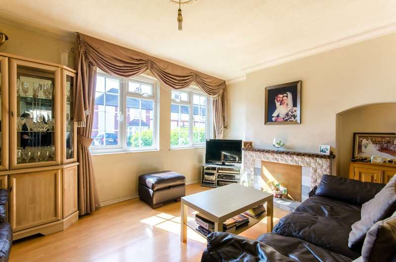 2 Bedrooms House for sale in Cavell Road, Tottenham, N17