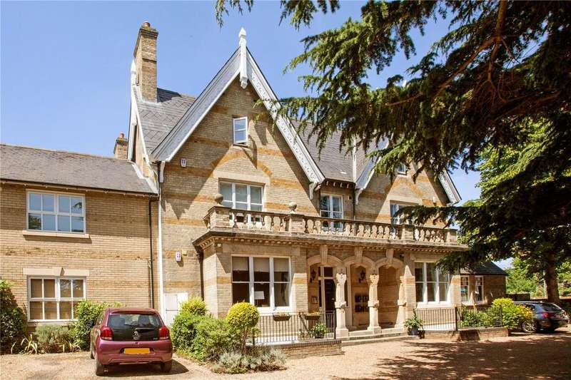 2 Bedrooms Flat for sale in Clarence House, New London Road, Chelmsford, CM2