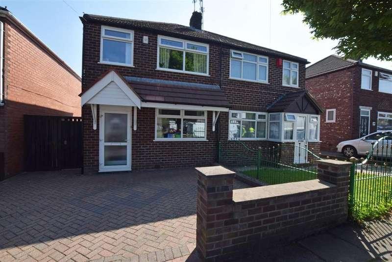 3 Bedrooms Semi Detached House for sale in Kirkway, Alkrington, Middleton