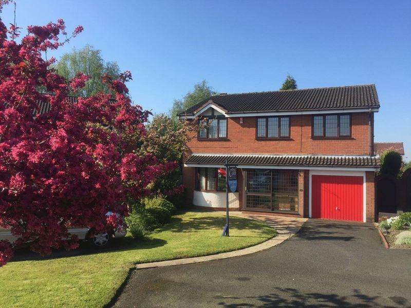 4 Bedrooms Detached House for sale in The Parkway, Shelfield