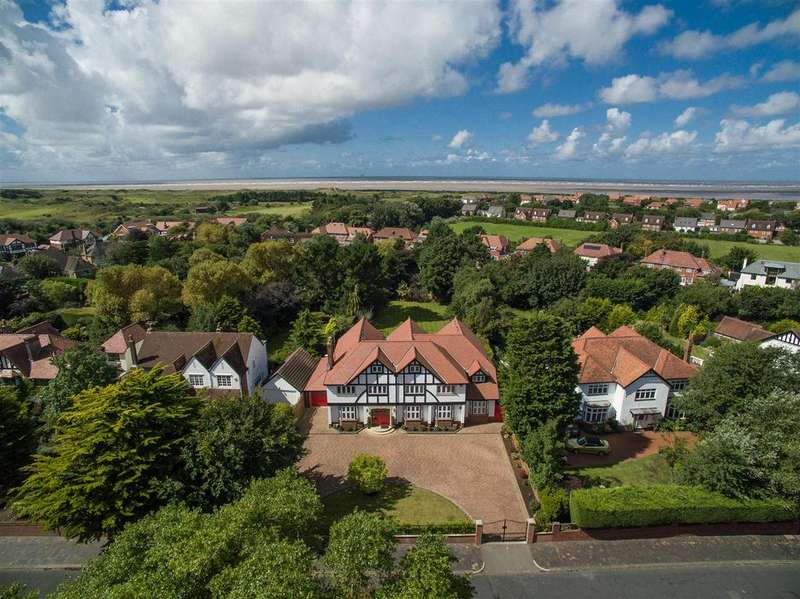 7 Bedrooms Detached House for sale in Sandringham Road, Birkdale, Southport, PR8 2JZ
