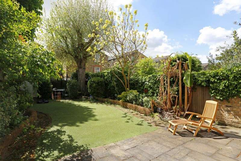 5 Bedrooms Terraced House for sale in Drakefield Road, London SW17