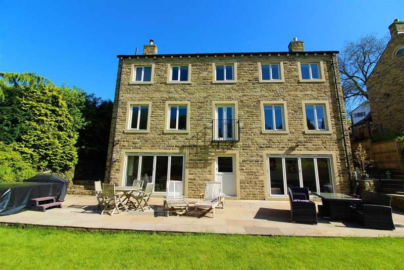 5 Bedrooms Detached House for sale in Cliffe Road, Shepley, Huddersfield, HD8 8DF