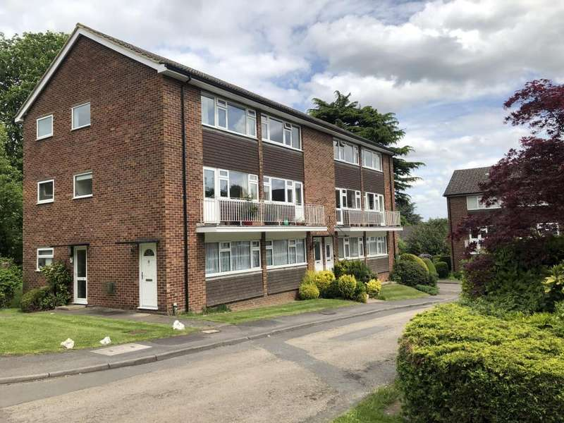 2 Bedrooms Maisonette Flat for sale in Calder Court, Maidenhead, SL6