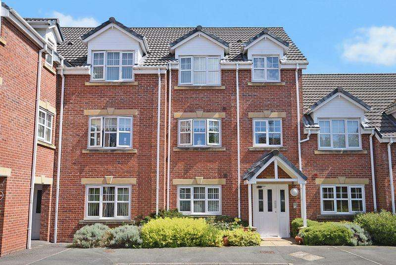 2 Bedrooms Apartment Flat for sale in Iona Crescent, Widnes