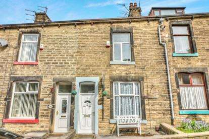 2 Bedrooms Terraced House for sale in Brown Street West, Colne, Lancashire, BB8