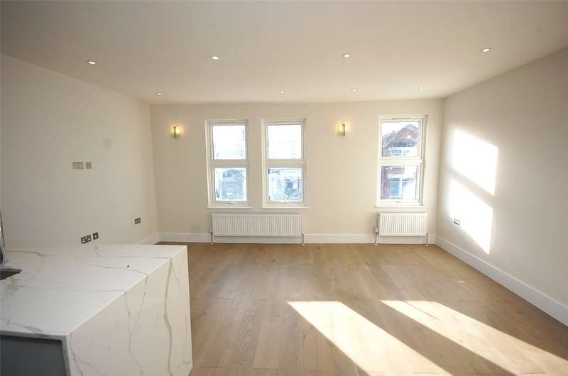 2 Bedrooms Flat for sale in Station Road Finchley London