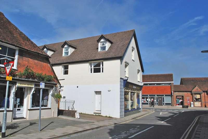 2 Bedrooms Penthouse Flat for rent in Bax Court, Church Street, Storrington, RH20