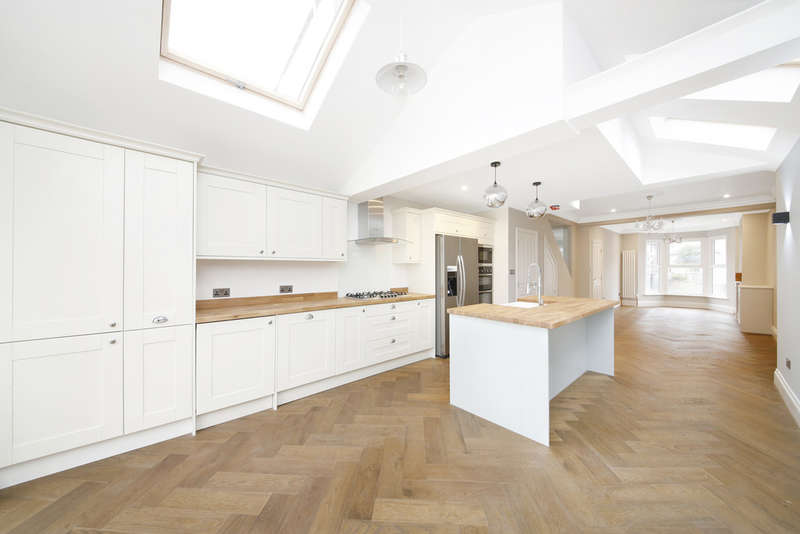 4 Bedrooms Terraced House for sale in Harvard Road, Hither Green, SE13
