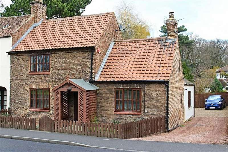 3 Bedrooms Cottage House for sale in The Village, Marton