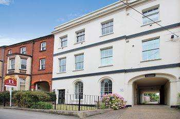 2 Bedrooms Maisonette Flat for sale in Pennsylvania Road, Exeter, EX4 6BH