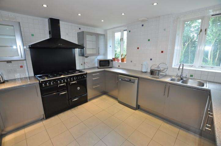 5 Bedrooms House Share for rent in Stortford Road, Clavering,