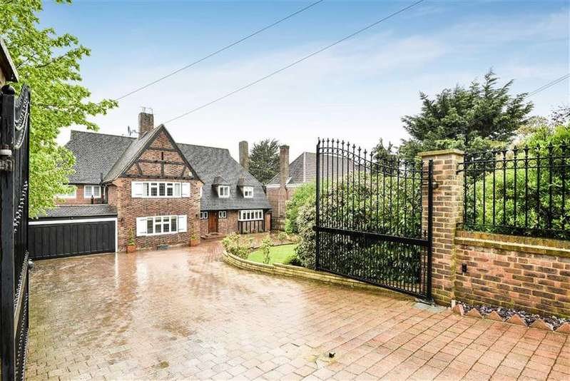 5 Bedrooms Detached House for sale in Cockfosters Road, Hadley Wood, Herts