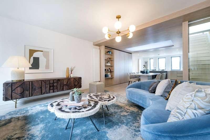 4 Bedrooms Maisonette Flat for sale in Great Portland Street, London, W1W