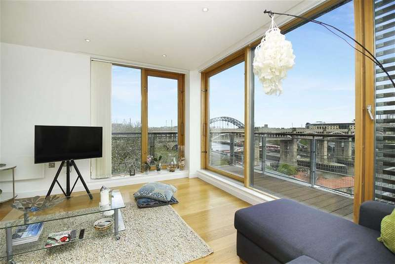 2 Bedrooms Flat for sale in Clavering Place, Newcastle Upon Tyne