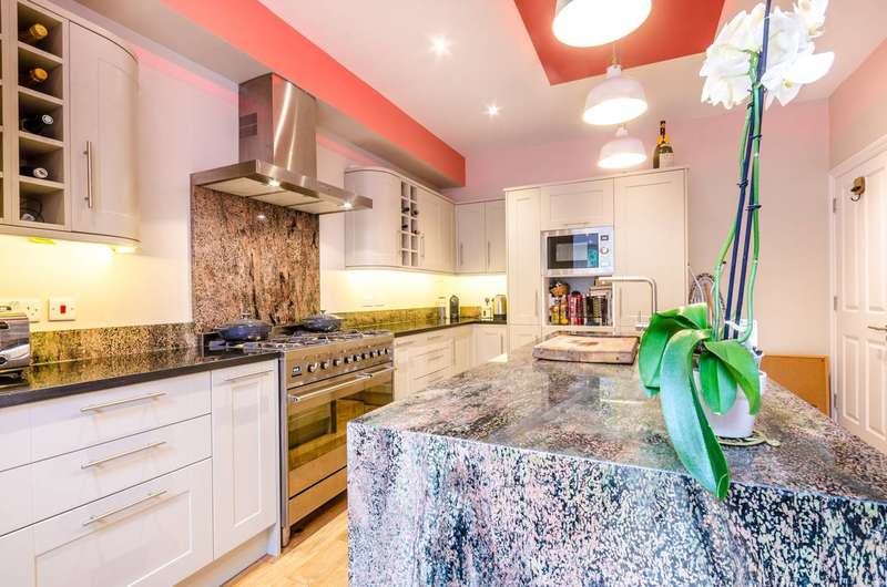 5 Bedrooms Semi Detached House for sale in Donnington Road, Willesden, NW10