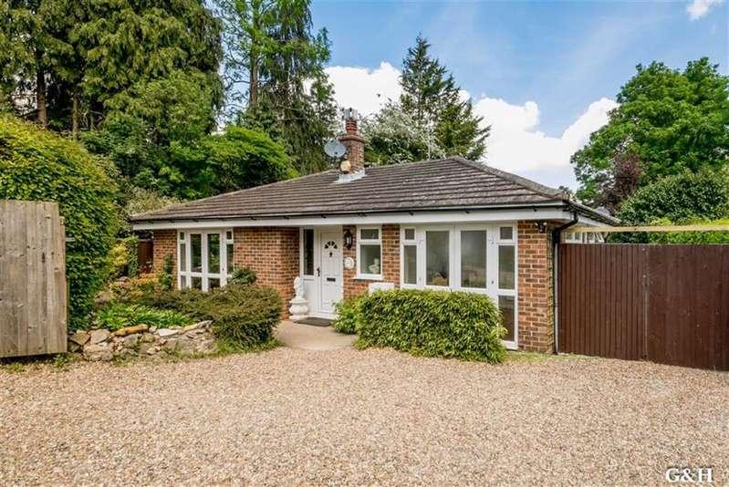 5 Bedrooms Detached Bungalow for sale in Northbrooke Lane, Ashford, Kent