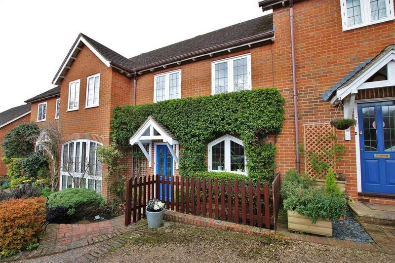3 Bedrooms Terraced House for sale in The Mews, Castle Hill, Farley Hill, READING, Berkshire