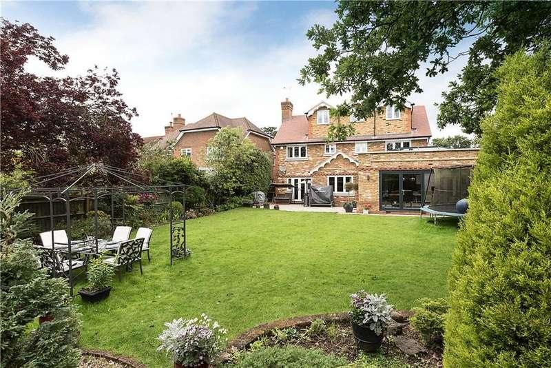 6 Bedrooms Detached House for sale in Kemsley Chase, Farnham Royal, Slough, SL2