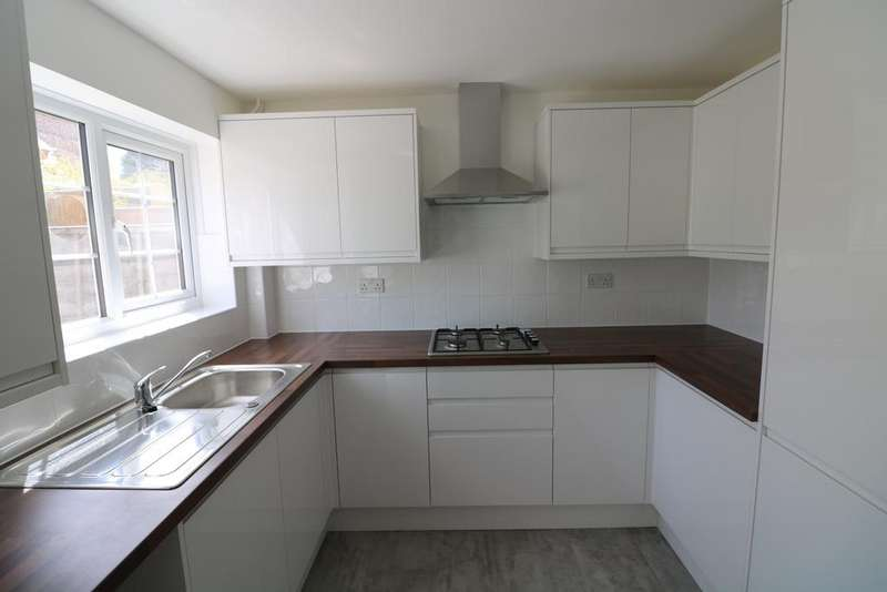 3 Bedrooms Town House for rent in Gillingham Kent ME8