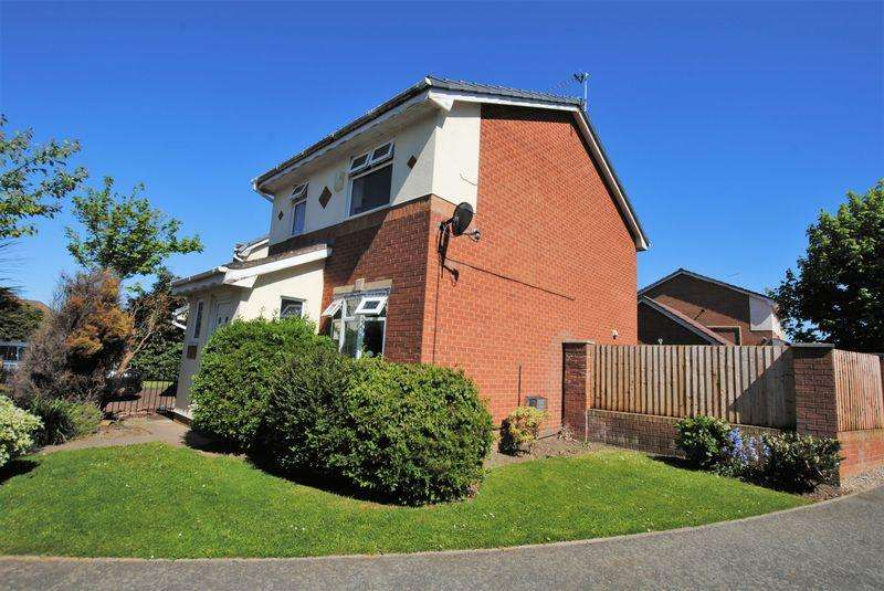 3 Bedrooms Detached House for sale in Earlswood Close, Moreton
