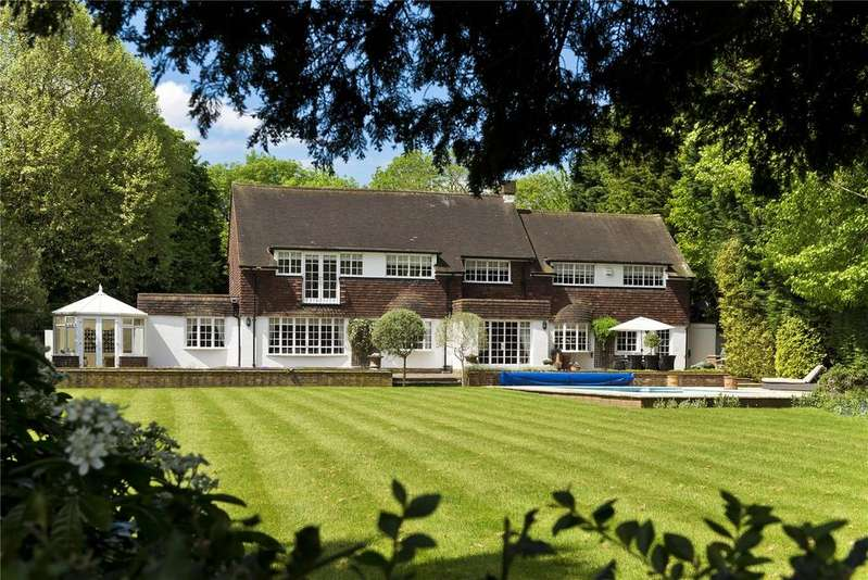 5 Bedrooms Detached House for sale in Old Chestnut Avenue, Claremont Park, Esher, Surrey, KT10