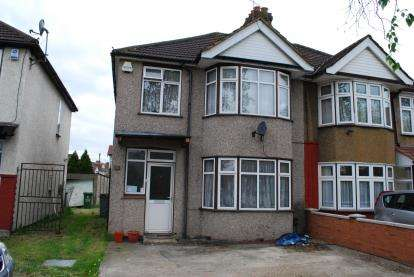3 Bedrooms Semi Detached House for sale in Stag Lane, Kingsbury, London, Uk