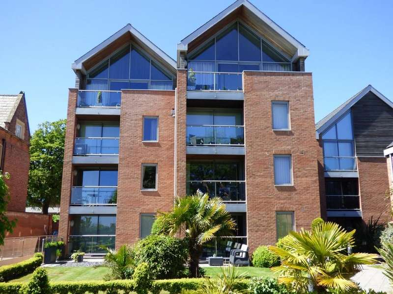 2 Bedrooms Apartment Flat for rent in 3 Holcroft House