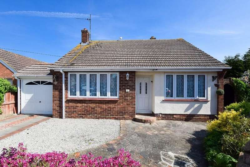 2 Bedrooms Detached Bungalow for sale in Kingston Close, Herne Bay
