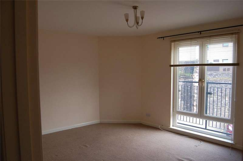 2 Bedrooms Flat for rent in 17 Market Mews, Market Place, Forfar, Angus, DD8