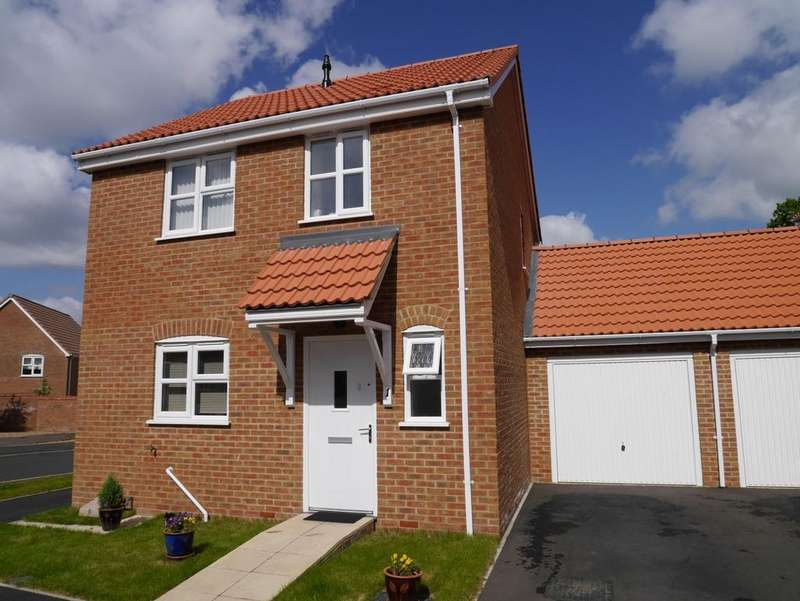3 Bedrooms Link Detached House for sale in Horsemans Close, Downham Market PE38