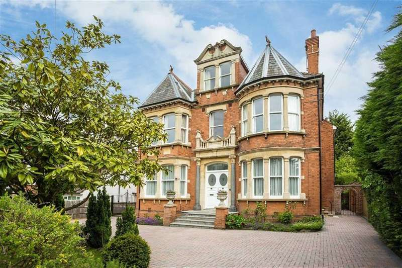7 Bedrooms Detached House for sale in Oakleigh Park North, Oakleigh Park, London