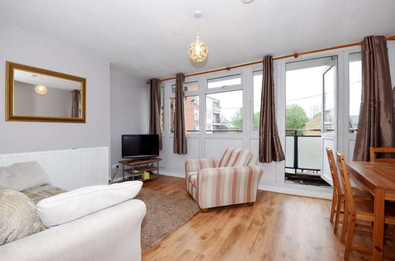 4 Bedrooms Flat for rent in Olney Road Kennington SE17