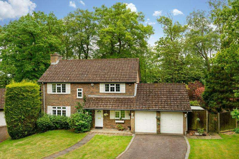 4 Bedrooms Detached House for sale in Woodland Rise, Studham