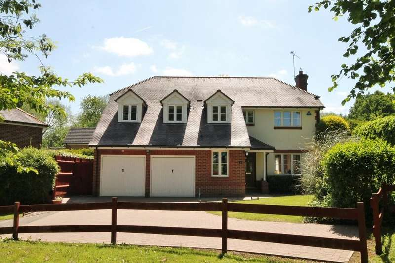 5 Bedrooms Detached House for sale in Little Brook Road, Roydon