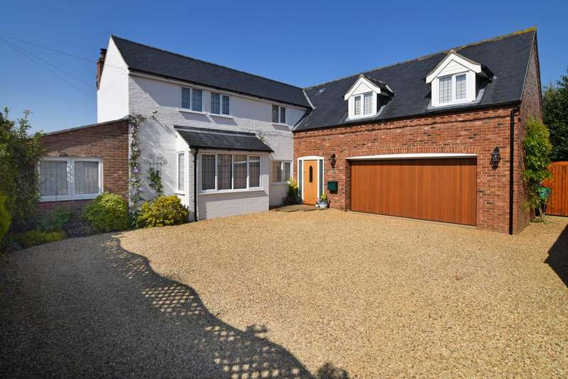 5 Bedrooms Detached House for sale in Church Lane, South Wootton