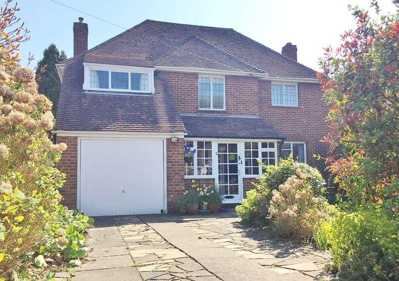 4 Bedrooms Detached House for sale in Solent Way, Alverstoke, Gosport