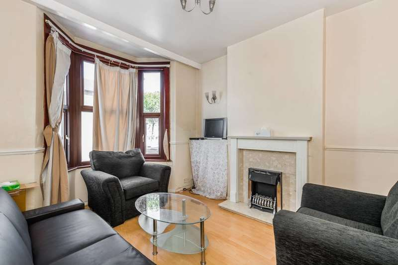 3 Bedrooms House for sale in Selby Road, Leytonstone, E11