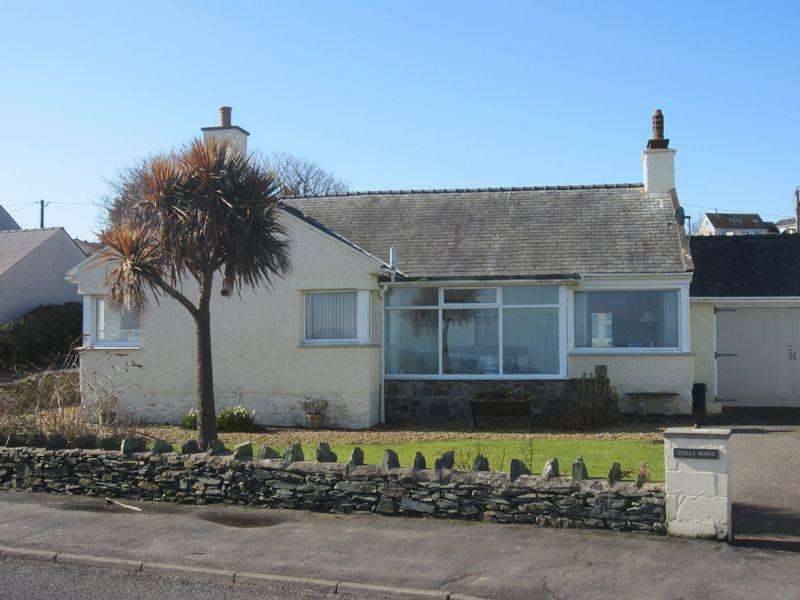 3 Bedrooms Detached Bungalow for sale in Bull Bay, Amlwch