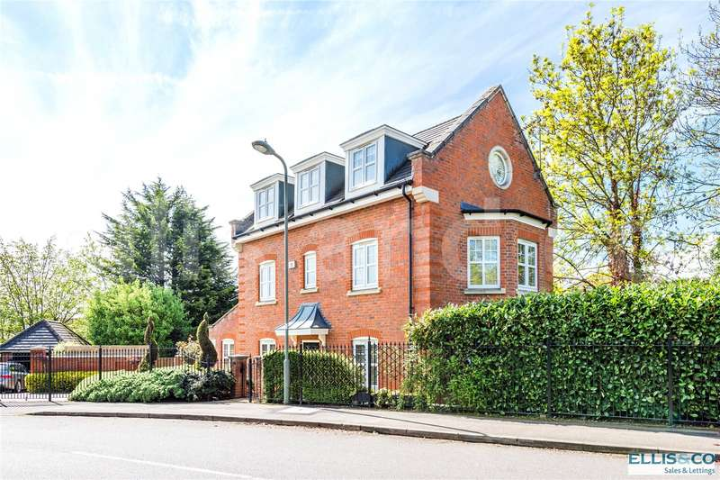 4 Bedrooms Detached House for sale in Tavistock Avenue Mill Hill London