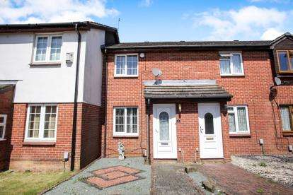 2 Bedrooms Terraced House for sale in Nash Close, Houghton Regis, Dunstable, Bedfordshire