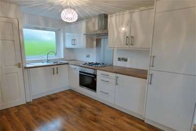 3 Bedrooms House for rent in Chingford Bank, BB11