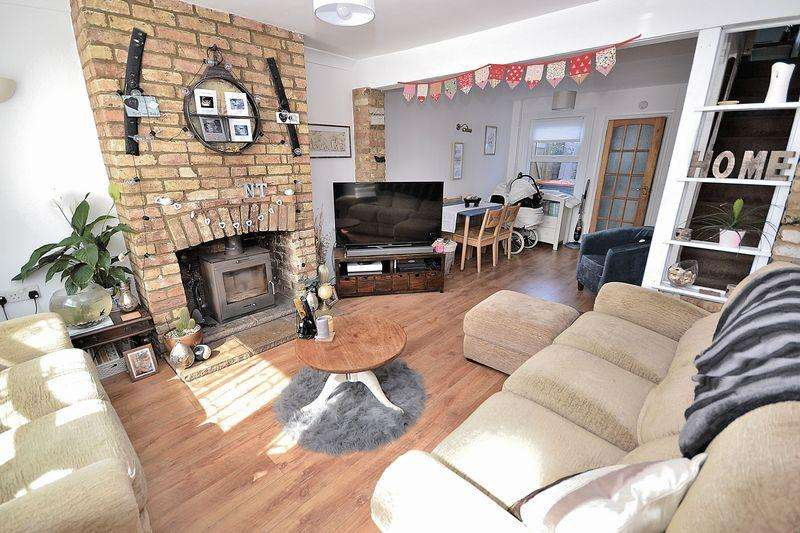 3 Bedrooms Terraced House for sale in Dudley Street, Leighton Buzzard