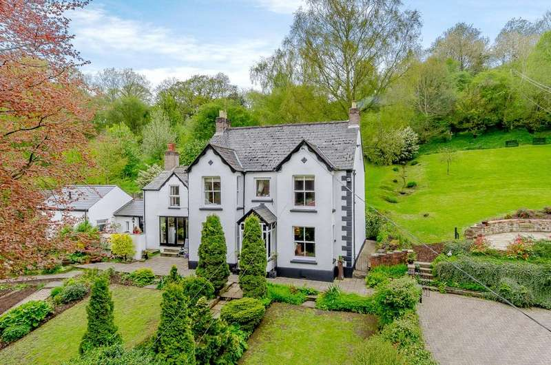 5 Bedrooms Detached House for sale in Upper Redbrook, Nr Monmouth, Monmouthshire, NP25