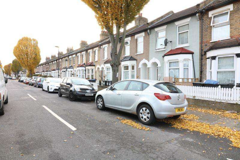 2 Bedrooms Terraced House for sale in 2 Bedroom, Terraced House For Sale